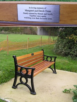 Seat in memory of Margaret and Derek Done